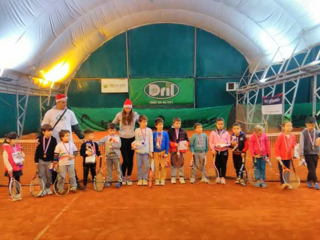 crveni nivo teniski klub dril tenis 10s