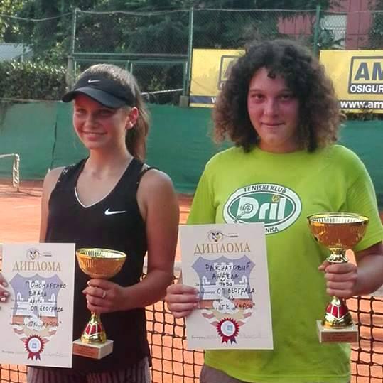 Vlada Ponomarenko i Andjela Ražnatović teniski klub Dril